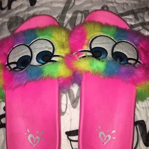 JUSTICE Slippers.   Size 6.   BIG GIRL